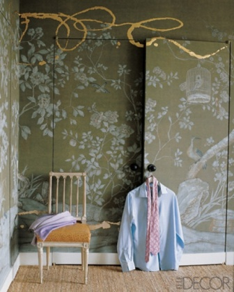 de Gournay wallpaper with artistic flourish