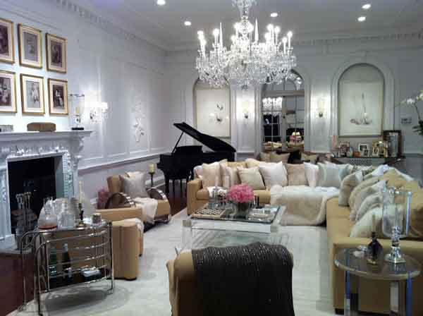 Ally Coulter Holiday House NY Interior Design